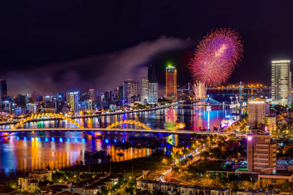 USEFUL TIP FOR FIREWORKS WATCHING TRIP IN DA NANG VIETNAM