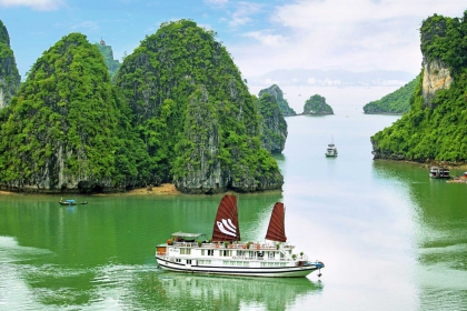Ha Long Bay Daily Tour From Ha Noi | ha Noi Package Tour | Viet Nam Trip