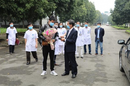 VIETNAM COVID-19 PATIENT DISCHARGED FROM HOSPITAL AFTER FULL RECOVERY